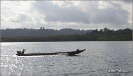 Boat di Tlk Katurai